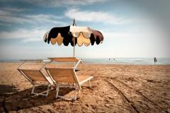 21.Le_parasol_tout_seul.jpg