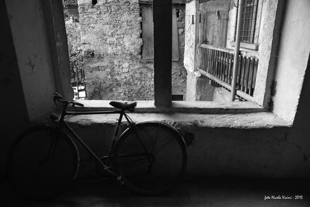 098_la_bicicletta_in_soffitta_nv_1_inviata.JPG