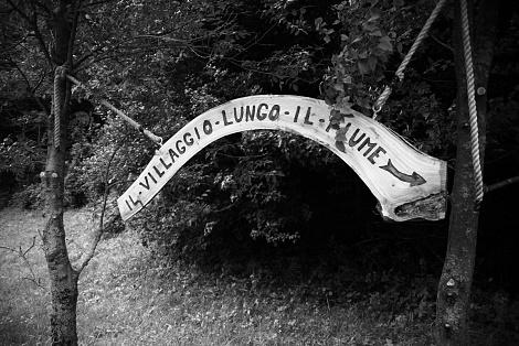 """Nicola Vicini è Guida Associata AIGAE e Fotografo organizza:   """"A passo lento. Fotografia in cammino."""""""