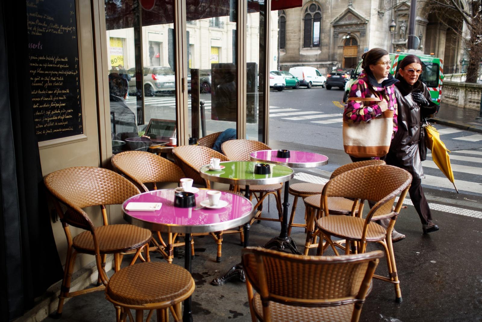 Des tables rose