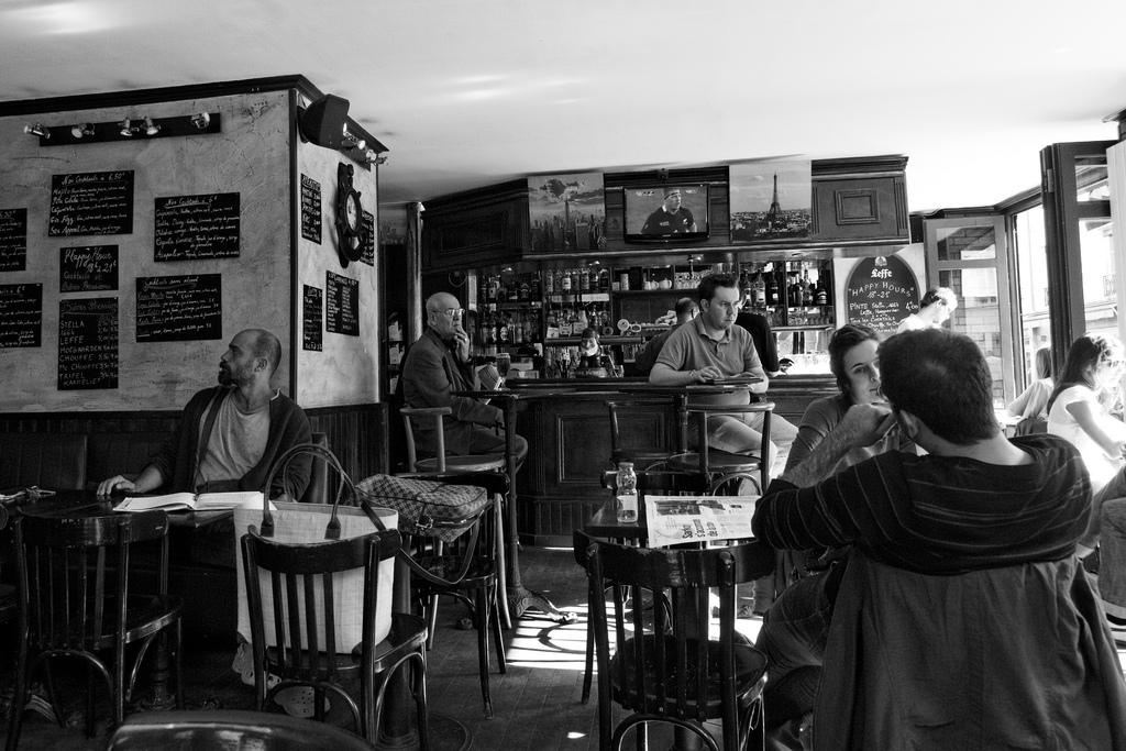 Le café de la Butte aux Cailles Il caffé della Butte aux Cailles Café at Butte aux cailles